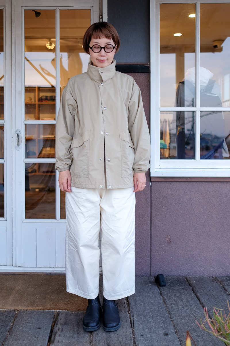 身長167cm コーディネート (g) チノクロスPOKKAパンツ、Blundstone CLASSIC COMFORT